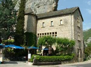 hotel-restaurant-manoir-de-montesquiou-la-malene-gorges-du-tarn-lozere-15